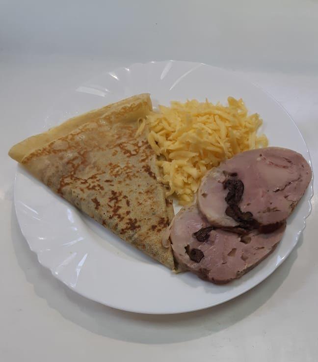С запечённым мясом утки, черносливом и сыром